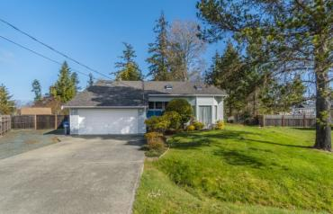 Lovely Parksville Family Home - Sunray Close