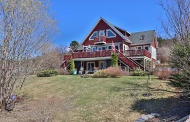 Unique, charming 4500 sq foot cottage with wharf and cookhouse right on the Atlantic Ocean