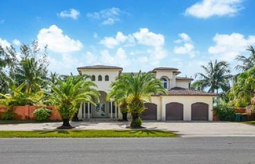 Online Auction - Luxury Estate in Ft Lauderdale / Dania Beach with Many Opportunities for Expansion or Possible Redevelopment