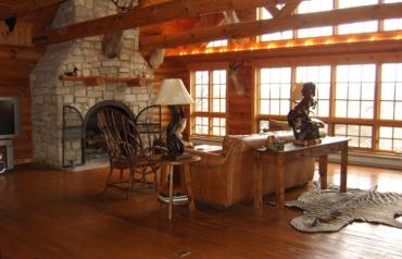 Stunning Lodge-Like Cabin Home on #1 Rated IL Golf Resort