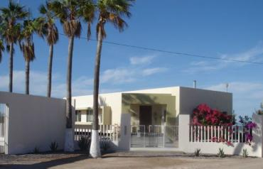 Baja La Paz Beachfront Home, Pool, Guesthouse with Rental Income