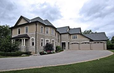 17 Macleod Estate Court - Stunning Property on 0.60 Acres with Optimum Privacy