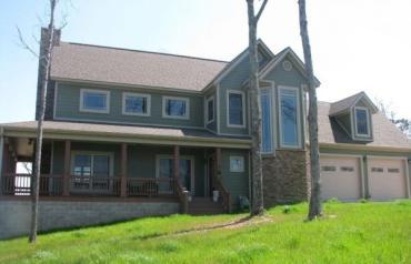 Beautiful New Custom Built Home with Panoramic Views