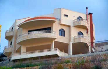 3 STORY LUXURY VILLA IN PEACEFUL MOUNTENOUS VILLAGE