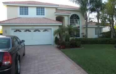 4 BR, 3-1/2 bath, Gated Community in Miami/Fort Lauderdale area