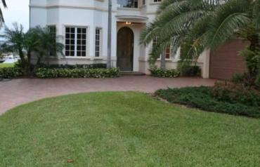 AUCTION - A TRUE MUST SEE INCREDIBLE WATER FRONT HOME IN NORTH PALM BEACH