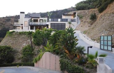 Hollywood Hills Architectural Masterpiece w/Jet-Liner Views