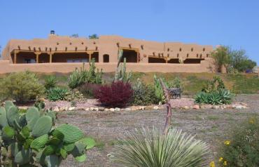 HACIENDA de SAN DIEGO-Resort-Style Living