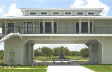 Structural Steel Hangar Home in Airpark