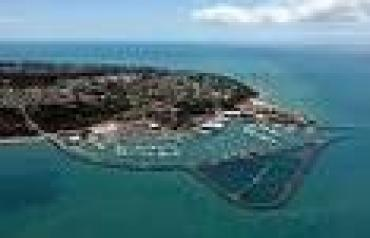 LARGE BLOCK OF LAND WITH WATERVIEWS ON FRASER COAST QLD