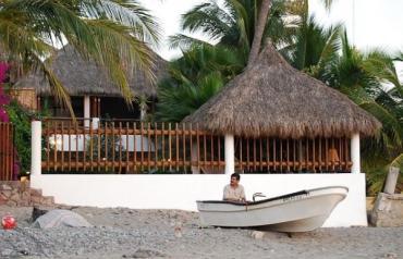 Playa Blanca Dos, La Manzanilla, Mexico