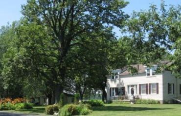 Gorgeous Lakefront Century Home on 106 acres!
