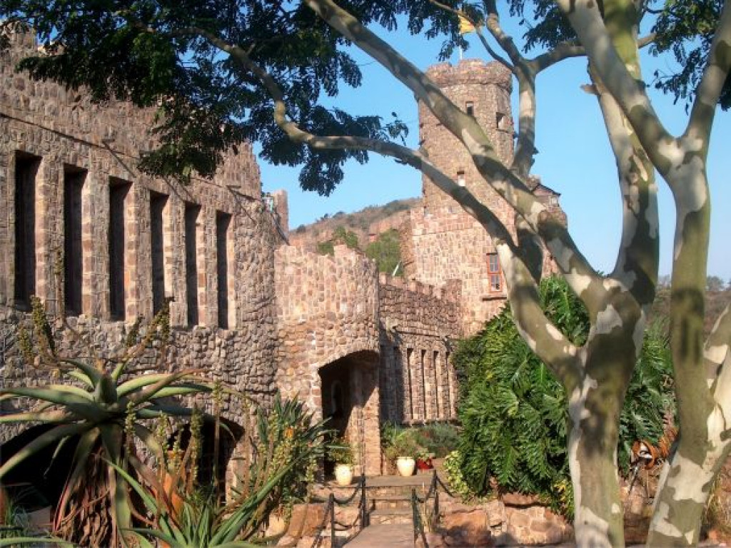 Stonehaven Castle South Africa Property Details