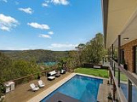 RESORT STYLE 40 SQ FAMILY HOME ON OVER AN ACRE - JUST 35 MINS TO CBD