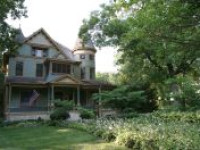 HISTORIC VICTORIAN HOME - Just minutes from Mies van der Rohe's glass house