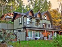 Luxurious Home with Oceanview Guest Cabin