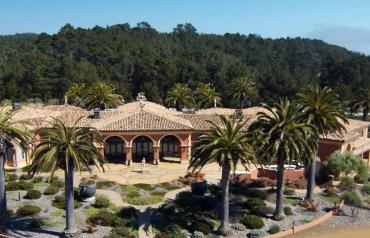 Luxurious property in a prestigious area of the Central coast, California (Cambria).