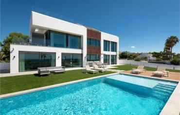 5 Bedroom Villa In Estepona, Spain (ref. 41583395)