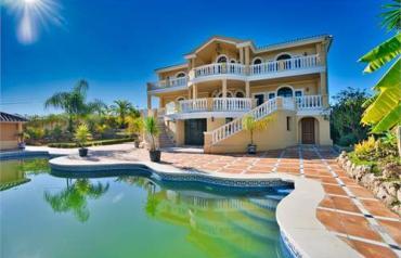 9 Bedroom Villa In Malaga, Spain (ref. 41581312)