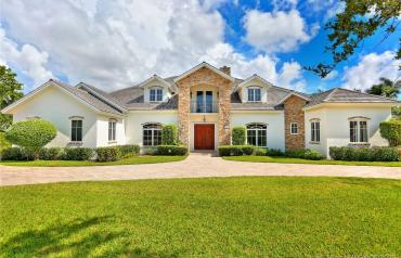Prestigious Pinecrest gated 7 bedroom estate home in Pinecrest