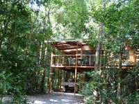 Rainforest haven with total privacy